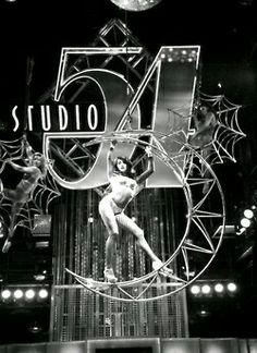 Studio 54 was a New York nightclub It was called the most famous nightclub of all time and was a groundbreaking multi-media visual extravaganza. 254 West Street in Manhattan Disco Party, 70s Party, Disco Theme, Night Club, Night Life, Mode Disco, Studio 54 Disco, Paris By Night, Musica Disco