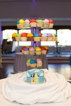 Up themed wedding cake  Cup cakes  Disney wedding Pixar up wedding Rainbow wedding Dogs wedding Disney cruise line wedding DCL wedding Fun wedding Disney up reception Colorful wedding Balloons engagement photos WDW bridal photos DCL bridal photos Disney cruise line bridal photos DCL bride Disney cruise line bride Disney bride Disbride