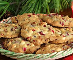 Looking for ways to curb your holiday spending? Don't skimp on the treats with these 7 tasty holiday cookie recipes that are very budget friendly!