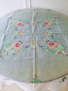 Antiga toalha de chá bordada em organza - Japan - Anos 50/60