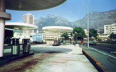 Orange Street petrol station (now the Engen) in 1980 True Homes, African History, Present Day, Vintage Photographs, Cape Town, Marina Bay Sands, Old Houses, South Africa, The Good Place