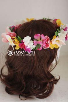 rosarium トロピカルな花冠。モカラのビビットカラーが効いててボリュームもあり、南国ムードたっぷりです。