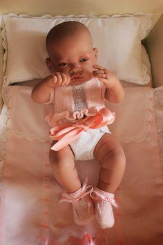 maslanitas: Ropa muñecos Antonio Juan Baby Knitting Patterns, Baby Patterns, Reborn Baby Dolls, Ag Dolls, Beautiful Dolls, Fashion Dolls, Doll Clothes, Knit Crochet, Sewing