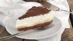 5 minútový írsky dezert BANOFFEE: Pripravíte ho na studeno a chutí úplne luxusne! Sweets Cake, Cookie Desserts, Cupcake Cakes, Sweet Recipes, Cake Recipes, Dessert Recipes, Pie Cake, No Bake Cake, Banoffi Pie