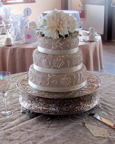Beige & White Sophisticated Cake