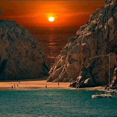 Sunset at Cabo San Lucas Beach, Mexico Places to see before you die Kauai, Beautiful Sunset, Beautiful Beaches, Beautiful Scenery, Simply Beautiful, Beautiful Images, Beautiful Space, Dream Vacations, Vacation Spots