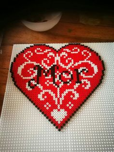 Bead Crafts, Diy And Crafts, Plastic Canvas Crafts, Perler Patterns, Pearler Beads, Love Heart, Beading Patterns, Pixel Art, Craft Projects