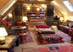 Berber Interiors - Moroccan Rugs, Moroccan Fabric, Moroccan Mirrors, Moroccan Furniture - Home page