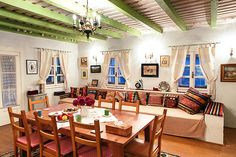 romanian-traditional-house-design-long-sofa-seating-painted-beams - Home Decorating Trends - Homedit Traditional Interior, Traditional House, Traditional Design, Style At Home, Home Studio Desk, Home Bar Areas, Rustic Restaurant, Wood Interiors, Interior Design Tips