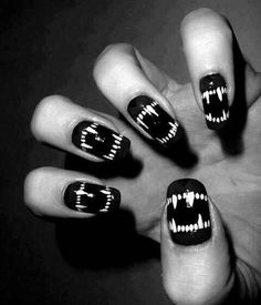 Nail art designs and ideas for different types of nails like, long nails, short nails, and medium nails. Check out more all Nail art designs here. Love Nails, How To Do Nails, Pretty Nails, Halloween Nail Designs, Halloween Nail Art, Halloween Vampire, Spooky Halloween, Halloween Ideas, Halloween Teeth