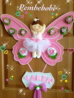 Kelebek balerinli kız bebek kapı süsü – 10marifet.org Baby Crafts, Cute Crafts, Felt Crafts, Diy And Crafts, Crafts For Kids, Arts And Crafts, Paper Crafts, Felt Wall Hanging, Baby Deco