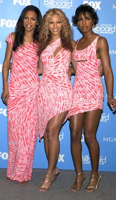 Taylor Swift's girlie gown. Janet Jackson's bustier. Destiny's Child matching dresses. We're throwing it back (way back!) and revisiting what your favorite music stars wore the first time they atte… Pink Prom Dresses, Backless Prom Dresses, Club Dresses, Party Dresses, Wedding Dresses, Hip Hop 2000, Beyonce Coachella, Early 2000s Fashion, Online Dress Shopping