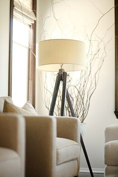 Love this lamp...I'm thinking it would look good in the living room.