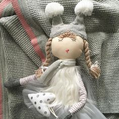 Loving NanaHuchy\'s gorgeous cotton baby blanket & Bubbles The Fairy  #nanahuchy #baby #fairy #love
