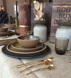 Our Autumn look, gold and moss. Irving Place Studio ceramics, Victoria Morris Pottery, Michael Verheyden vessels, Nason Moretti Venetian glass and Mepra Due Oro flatware. Home accessories at MONC XIII Sag Harbor. http://monc13.com/