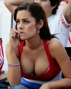 Larissa Riquelme from Paraguay. Hottest Fan in 2010 World Cup Soccer Fans, Football Fans, Lionel Messi, Performance Marketing, Hot Fan, Girls Show, Fifa World Cup, South Beach, Fangirl