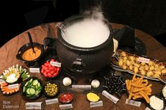 Halloween decorations : DIY Witchs Potion Buffet Dinner