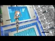 25 Japanese Men Jump into a Swimming Pool. Gracias Sabri
