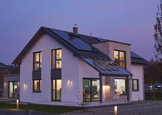 Variant 35-172 - Unser Musterhaus in Günzburg ist nicht nur besonders nachhaltig, sondern ein wahrer Hingucker. Hier ist Ihr neuer Raum zum Leben und Rundum-Wohlfühlen.