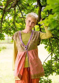 """""""Balotra"""" organic cotton vest – Blouses & waistcoats – GUDRUN SJÖDÉN – Webshop, mail order and boutiques   Colourful clothes and home textiles in natural materials."""