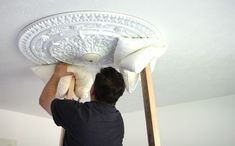 How to install a ceiling medallion Ceiling Art, Ceiling Rose, Home Renovation, Home Remodeling, Tuscan House, Small Notebook, Ceiling Medallions, Formal Living Rooms, Diy Home Improvement