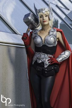 Female Thor Cosplay by Miss Piratesavvy