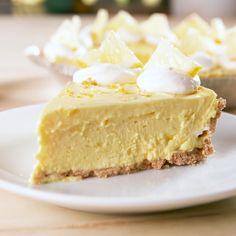 A lemon dream easyrecipe dessert cheesecake baking lemon No Bake Desserts, Just Desserts, Delicious Desserts, Dessert Recipes, Yummy Food, Lemon Desserts, Bon Dessert, Dessert Aux Fruits, Dessert Simple