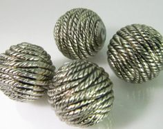 6 Vintage Lucite 16mm Antiqued Silver Rope Patterned Beads Bd1004
