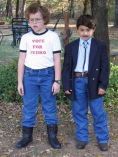 napoleon dynamite might just be my favorite movie. It would be hilarious for my boys to dress up like this for Halloween but kids don't get the movie. I don't think they would go for this anyway!