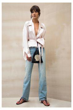 포즈Attico Spring 2017 Ready-to-Wear Collection Photos - Vogue