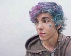 "⭐ complete a legenda: ""eu quando"" ⭐ aesthetically pleasin Dyed Hair Pastel, Men Hair Color, Coloured Hair, Crazy Hair, Pink Eyes, Wattpad, Blue Hair, Pretty Hairstyles, Hair Inspo"