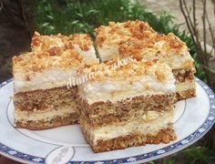 diana's cakes love: Prajitura cu nuca si krantz Romanian Food, Romanian Recipes, Food Cakes, Something Sweet, Tiramisu, Cake Recipes, Caramel, Deserts, Cookies