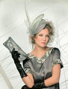 ABSOLUT FASHION: TOCADOS DE LA CABEZA Dona Karan, African Hats, How To Make Decorations, Hat Making, Headdress, Diy, Couture, Fascinators, Boots