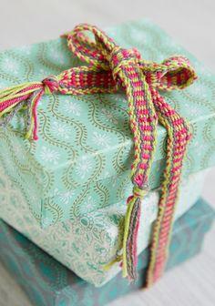 Pirtanauha SK 2/14. Friendship Bracelets, Bands, Weaving, Inspiration, Biblical Inspiration, Band, Band Memes, Loom Weaving, Crocheting