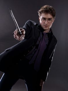 I got Harry Potter! Should You Date Draco Malfoy Or Harry Potter? Harry is funny, caring, and down-to-earth, despite being a goddamn hero. Don't fight it — you're literally under his spell. Theme Harry Potter, Harry James Potter, Harry Potter Pictures, Harry Potter Birthday, Harry Potter Cast, Harry Potter Quotes, Harry Potter Universal, Harry Potter Fandom, Harry Potter Characters