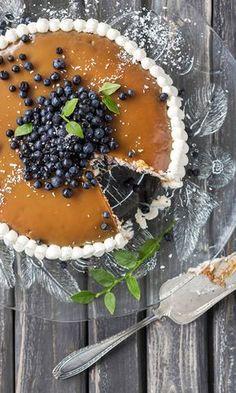 Mummon mustikkakakku   Maku Just Eat It, Yams, Let Them Eat Cake, Yummy Cakes, Sweet Recipes, Blueberry, Food Photography, Berries, Food And Drink
