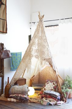 ~ tipi hut in Crochet... #kids #fort #tipi cute reading area for them :3