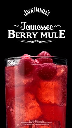 Tennessee Berry Mule Make your lazy summer day berry relaxing! This easy cocktail recipe pairs Jack Daniels with fresh raspberries. The post Tennessee Berry Mule appeared first on Getränk. Fancy Drinks, Easy Cocktails, Summer Drinks, Cocktail Recipes, Craft Cocktails, Mixed Drinks Alcohol, Alcohol Drink Recipes, Fireball Recipes, Easy Mixed Drinks