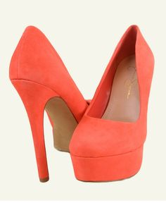 omg. I wish I wore high heels. Jessica Simpson  makes the best shoes.