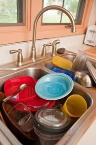 Expert organizer, Sandra Felton's 3 Steps to Dig out of Clutter #clutter #organizeme - http://imom.com/mom-life/mom-management/home-3-steps-to-dig-out-of-clutter/