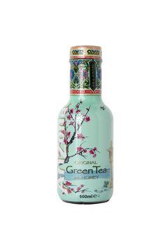 Connaissez-vous AriZona, la boisson au thé numéro 1 aux USA ? AriZona Green Tea est un thé glacé au miel et aux extraits de thé vert aromatisé au ginseng.