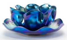TIFFANY STUDIOS FAVRILE GLASS FINGER BOWL AND UNDERPLATE . Peacock blue, Circa 1900.