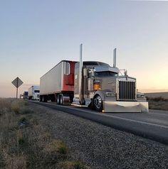 Big Rig Trucks, Semi Trucks, Lamborghini Concept, Truck Paint, Trucks And Girls, Peterbilt Trucks, American Muscle Cars, Custom Trucks, Tandem