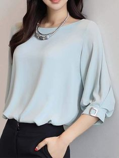 Casual Pastel coloured top with voluminous sleeves:) Cute Blouses, Blouses For Women, Shirt Blouses, Girls Fashion Clothes, Fashion Dresses, Bluse Outfit, Sleeves Designs For Dresses, Stylish Tops, Fashion Sewing