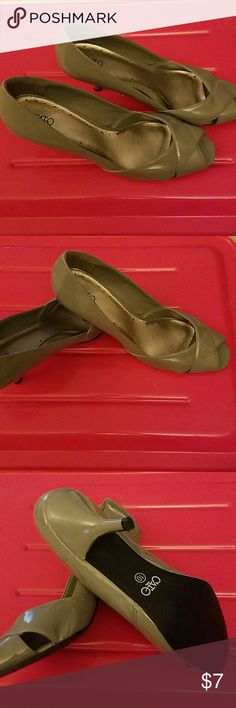 Cato Gray Pep Toe High Heels, sz 10 Reposh, NEW gray heels size 10. New heels, pep toe. Non slip sole, gray is all the rage and goes so well with so many colors. Cato Shoes Heels