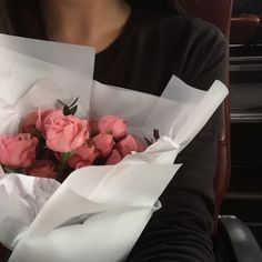 """lousolversons: """"You think she loves you? Flowers Nature, My Flower, Fresh Flowers, Flower Power, Beautiful Flowers, Plants Are Friends, Plant Pictures, Spring Day, Pink Roses"""