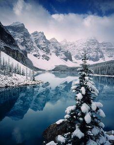 ***Autumn snowfall (Moraine Lake, Banff, Alberta) by Alan Majchrowicz❄️c .