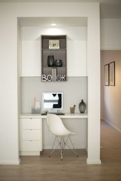 How to make an empty nook into the perfect hidden study. Office Nook, Study Office, Office Workspace, Closet Office, Office Inspo, Small Space Office, Home Office Space, Small Study, Kids Study