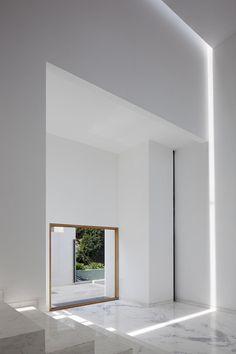 AR House by Lucio Muniain et al architects