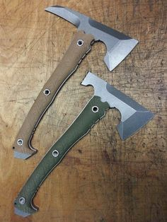 American Kami MicrAxe - That's what craftsmanship is all about! Survival Weapons, Tactical Survival, Survival Tools, Tactical Knives, Forging Knives, Tactical Gear, Cool Knives, Knives And Tools, Knives And Swords
